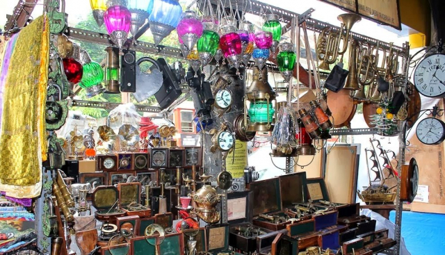 Chor Bazaar Delhi: How to buy, A Complete Guide To Shopping In Chor on