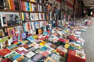 Daryaganj: The Sunday Book Market, Are You a Book Lover So this is For You .....